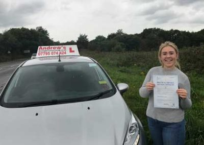 Chloe Ellis from Rhos on Sea passed her driving test on 27th September 2017.
