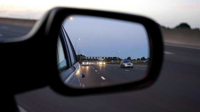 Using mirrors on extended driving test